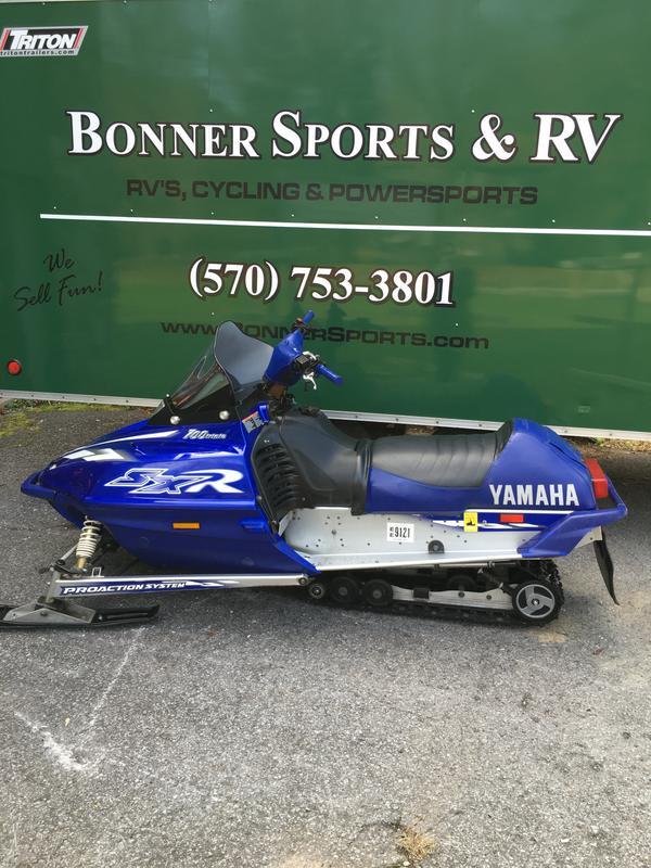 2001 Yamaha SX700