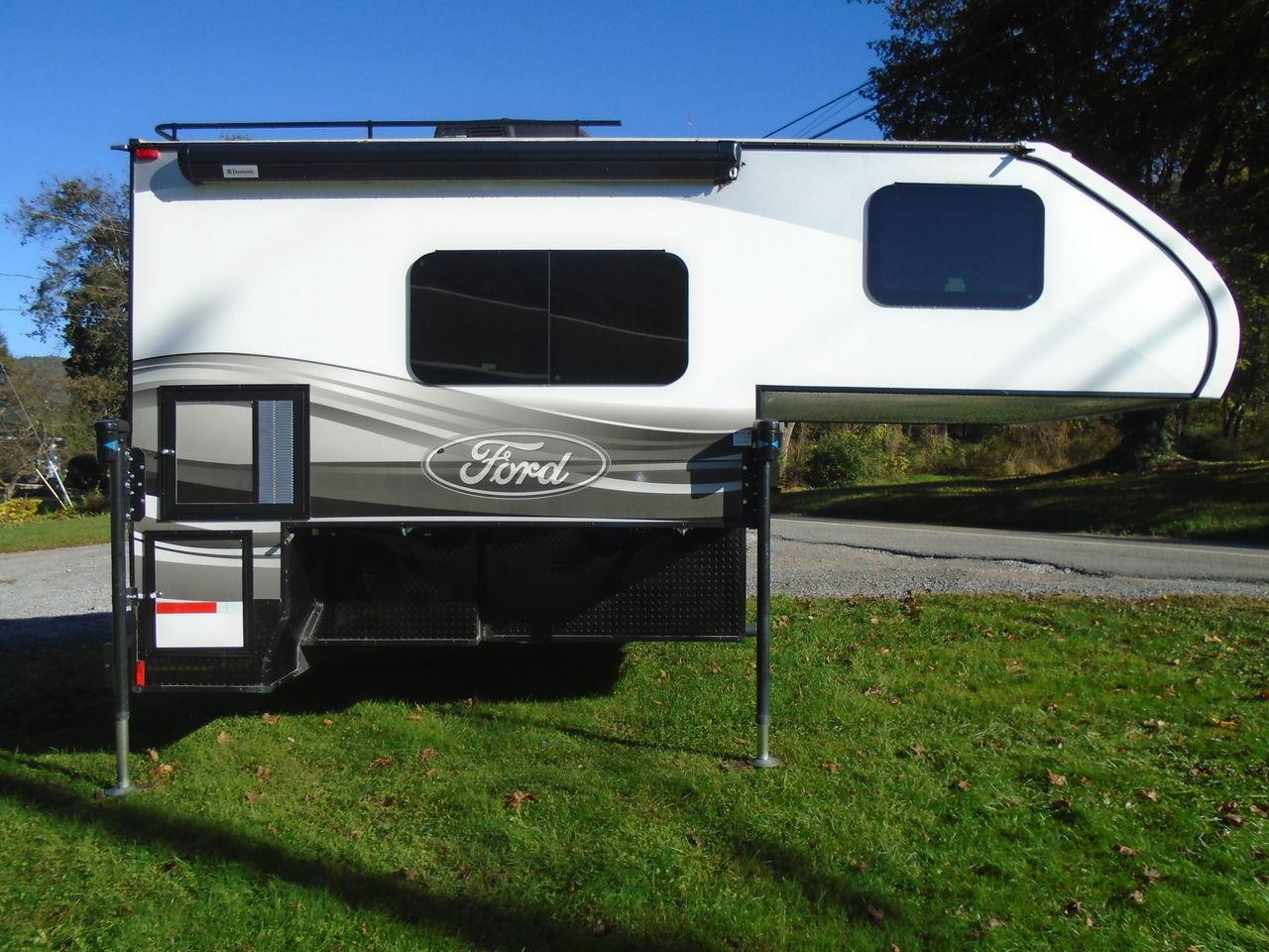 2016 Livin Lite Ford 9.2 Truck Camper